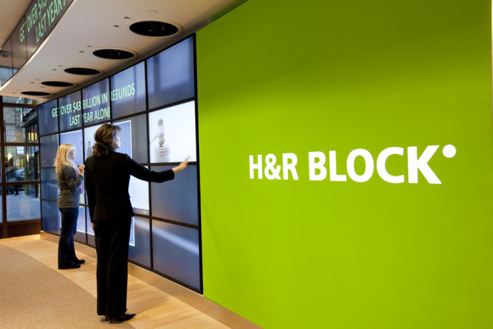 h r block 29 reviews of h&r block i have used a couple of firms for my personal and business taxes in the past i was never satisfied mostly because i was the little guy my returns didn't bring them several thousands of dollars in fees and i was always.